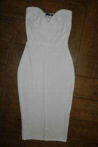 Boohoo dopasowana biała sukienka roz 34