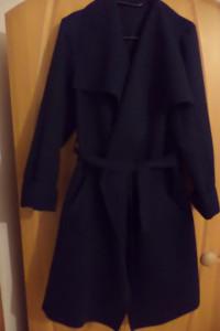Płaszcz wiosenny wiązany kołnierz