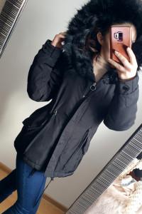 Czarna kurtka parka Zara z dużym futerkiem rozmiar XS