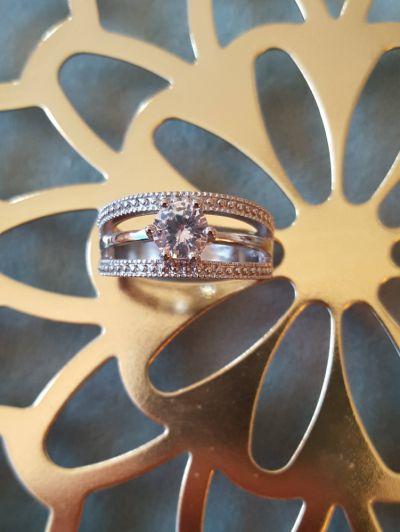 Pierścionki Nowy pierścionek srebrny kolor jedna cyrkonia