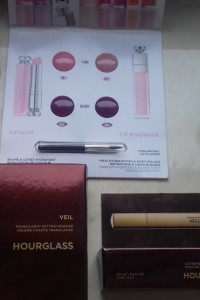 Hourglass puder veil tusz extreme lash mascara oraz testery...