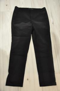 Czarne cygaretki Zara...