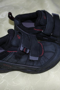 Buty czarne Ecco 28...