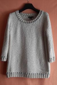 Piękny beżowo srebrny sweter Mango...