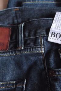 HUGO BOSS spodnie Jeans 3432 regular fit...