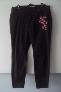 nowe spodnie rurki z motylami...