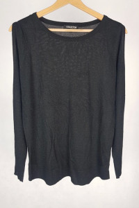 Cienki czarny sweterek z brokatem i rozciętymi rękawami 12