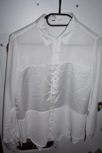 piekna biala zwiewna koszula Sinsay S