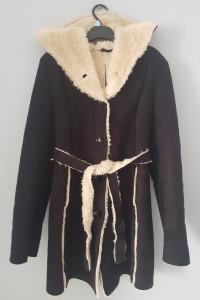 Długi płaszcz futerko...
