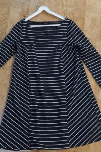 Sukienka Reserved rozmiar M czarno białe paski luźny krój może być ciążowa