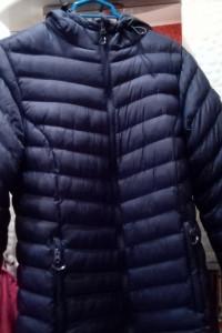 Granatowy płaszczyk damski zimowy z kapturem