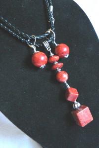 Komplet biżuterii z koralem długi wisior i kolczyki...