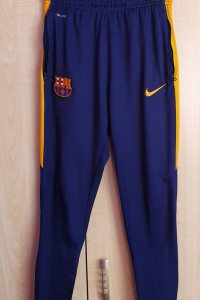 Spodnie dresowe chłopięce Nike FCB 158 cm
