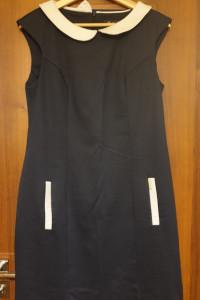 Granatowa sukienka z kołnierzykiem...