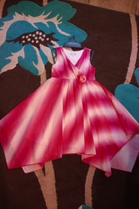 Sukienka kolorowa 128