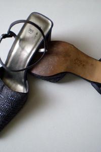 Pantofle z odkrytą piętą 395...