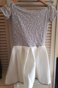 Sukienka s Morris 34 xs mini koronkowa rozkloszowana szara biał...