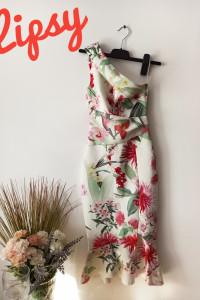 Kwiecista sukienka syrenka na jedno ramię midi z falbanką kwiat...