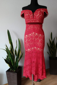 Koronkowa sukienka syrenka