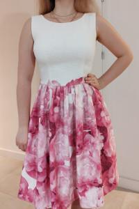 Elegancka sukienka rozkloszowana w kwiaty S...