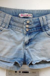 Jasne luźne niebieskie jeansowe szorty denim Segreti jeans wear...