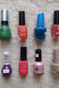 Zestaw 12 nowych lakierów do paznokci plus 4 używane w gratisie różne kolory marki