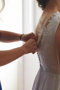 Sprzedam piękną delikatną suknię ślubną...