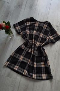 Sukienka tunika w kratę czarno kremowa