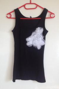 Fishbone New Yorker czarna bokserka z białą różą aplikacją xs s m 34 36 38 tania