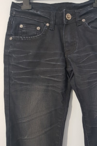 Spodnie typu proste...