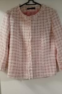 Żakiet oraz spódnica z grubszej tkaniny