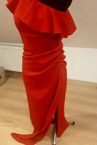 Sukienka czerwona z rozporkiem...