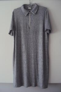melanzowa prazkowana sukienka...