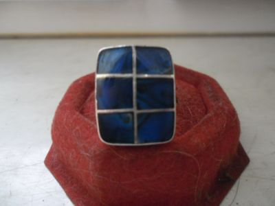 Pierścionki Ciekawy srebrny pierścionek niebieska szachownica