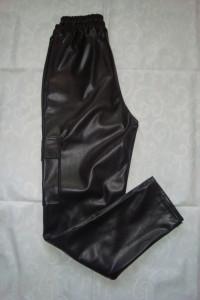Nowe spodnie z eko skóry roz M...