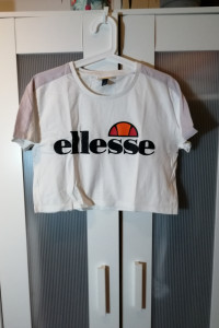 Crop top Ellesse...