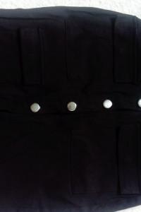 Spódnica zapinana na guziki...