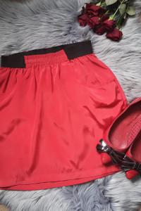 czerwona spódnica Vero Moda...
