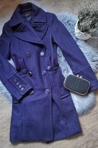 fioletowy płaszcz...