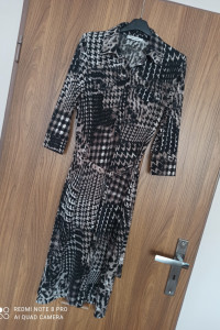Sukienka midi More More 36 S