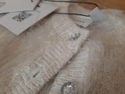 Pozostałe Sweterek rozpisnany włochaty