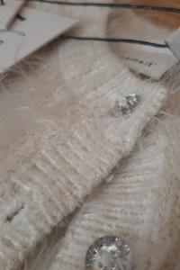 Sweterek rozpisnany włochaty