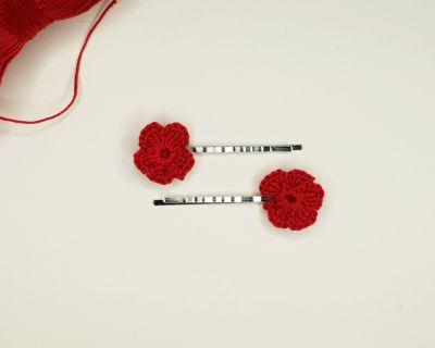 Pozostałe Wsuwki z szydełkowymi kwiatuszkami