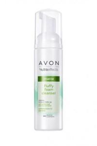 Odświeżająca pianka do oczyszczania twarzy Avon...