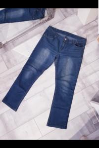 Klasyczne spodnie jeansy...