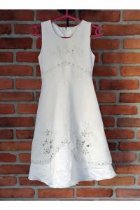 Elegancka biała sukienka...