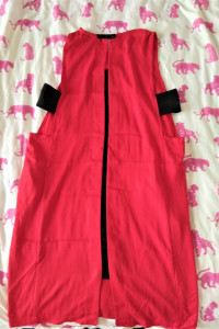 Czerwona krótka sukienka...