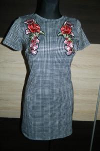 SINSAY elegancka sukienka krata roz XS...