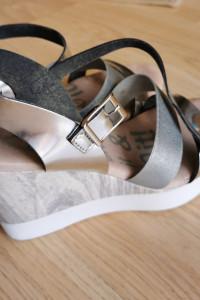 Sandały na koturnie srebrne szare rozmiar 39