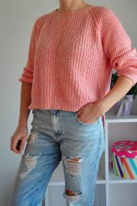 Brzoskwiniowy sweterek New Look